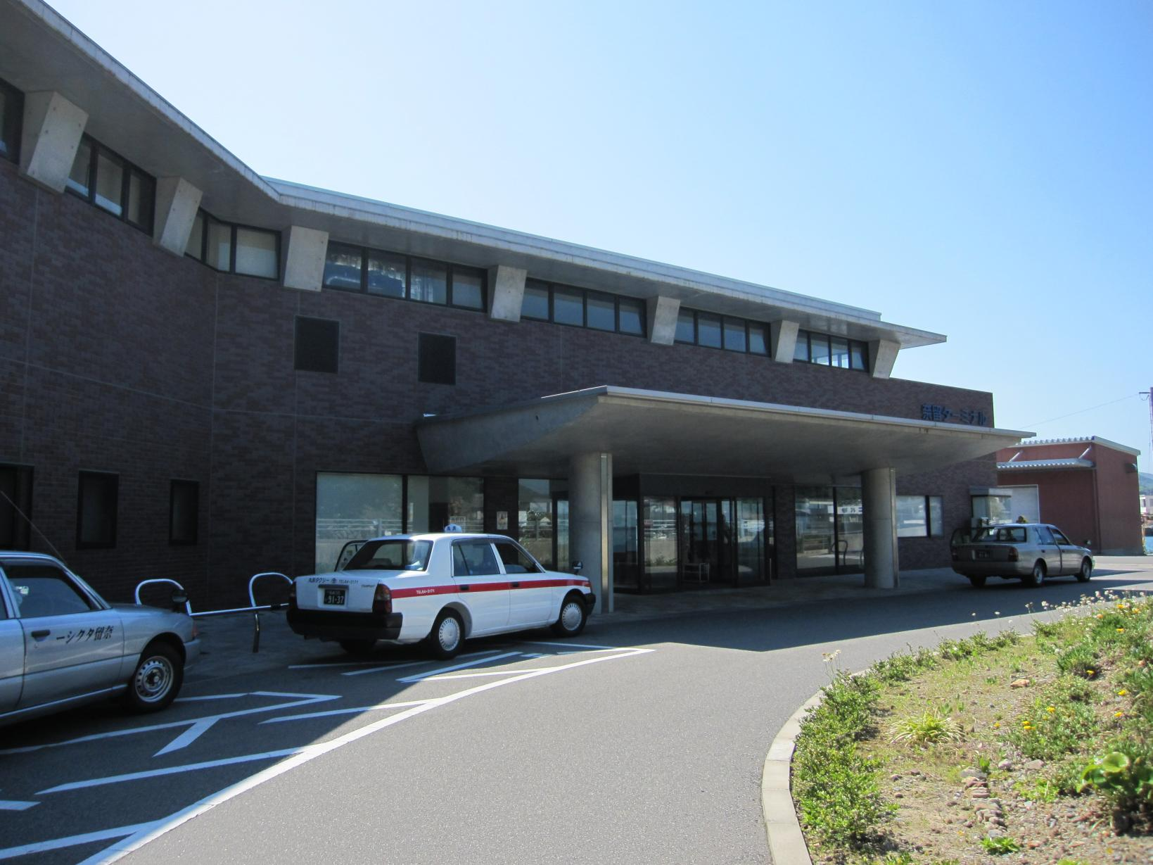 奈留港ターミナル-1