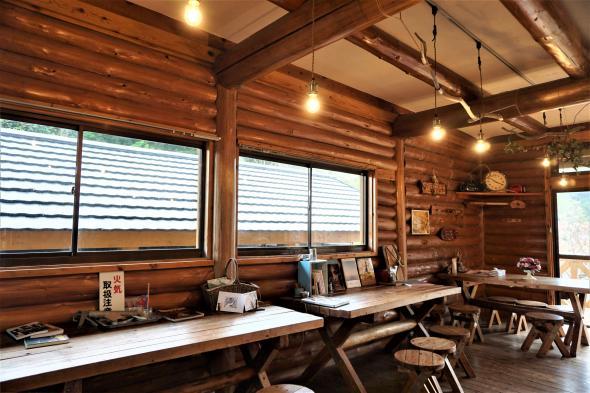 Re-harmo Cafe-1